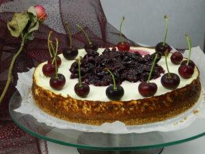 Super Cheesecake with Cherries