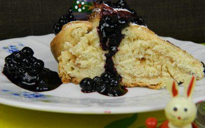 Easter Sweets - Cinnamon Babka-Blueberry-Sauce
